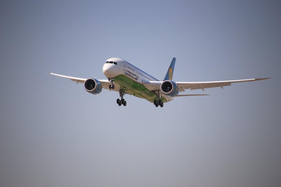 Картинки самолеты узбекистан