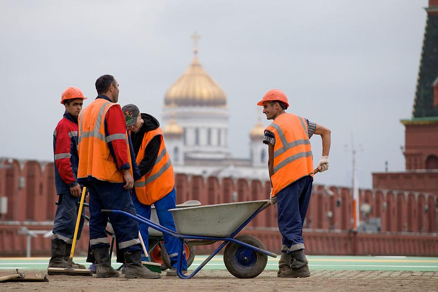 Картинки по запросу эмигранты из узбекистана в россии